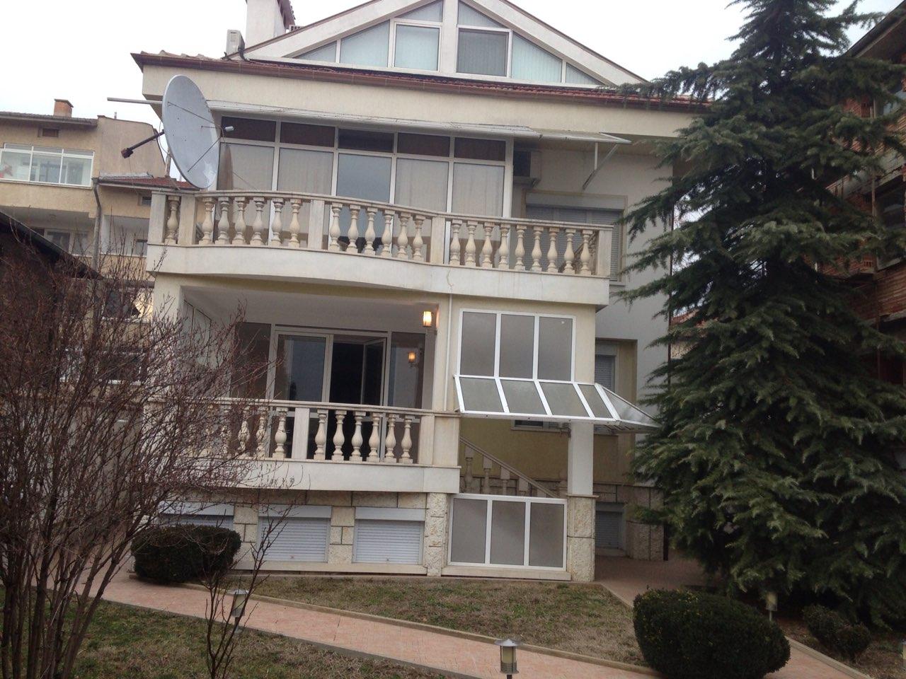 Продава къща (Лукс)